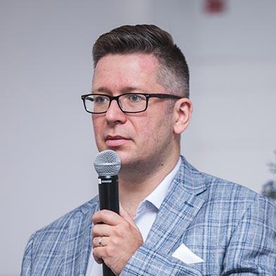 Piotr Adamczuk